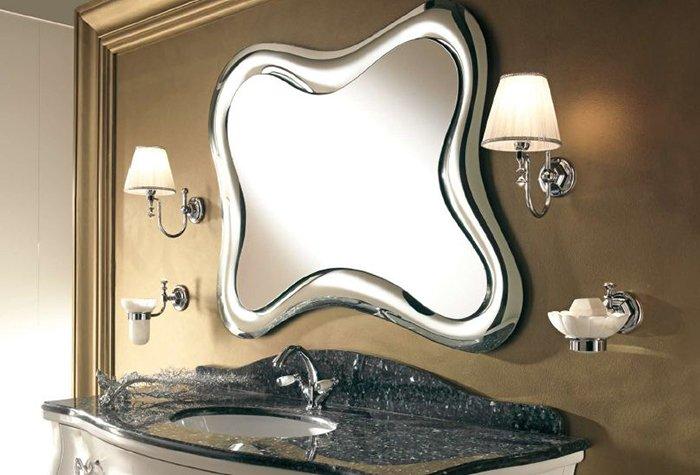 Дизайнерское зеркало в ванне
