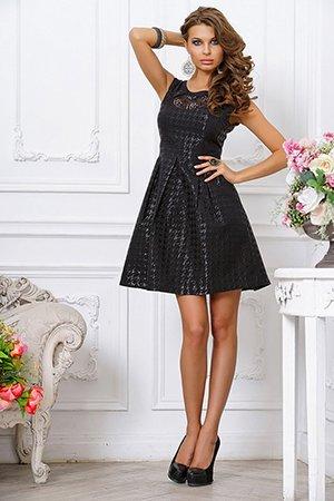 Черное платье с завышенной талией