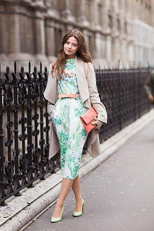Мятные туфли лодочки с зеленым платьем