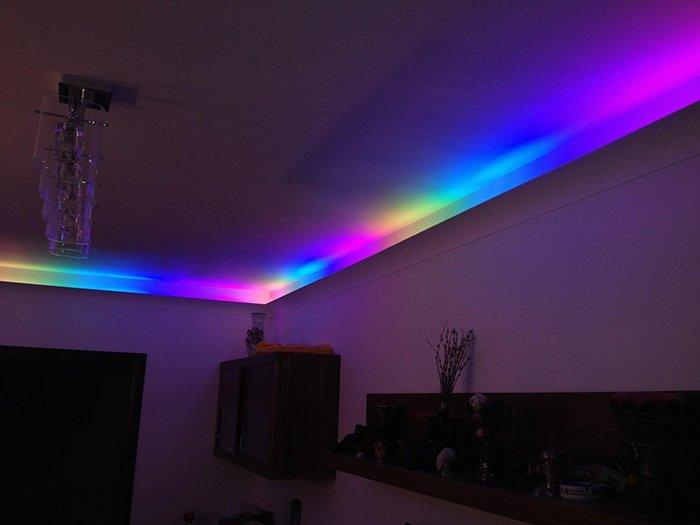 Подвесной потолок со светодиодами