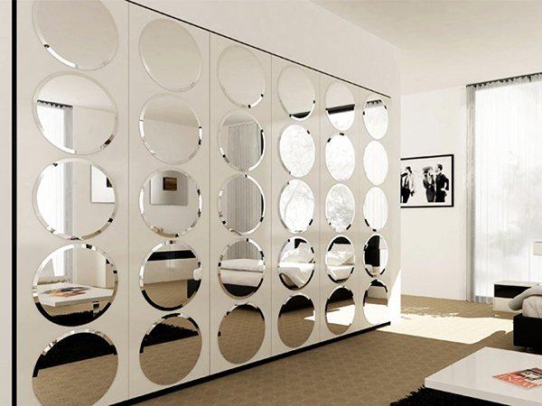 Круглая зеркальная плитка на стену