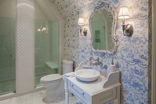 Винтажная мебель в ванной комнате