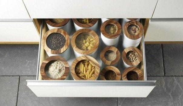Хранение крупы в кухонном шкафу