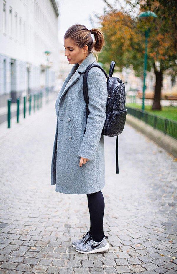 Женский рюкзак с пальто