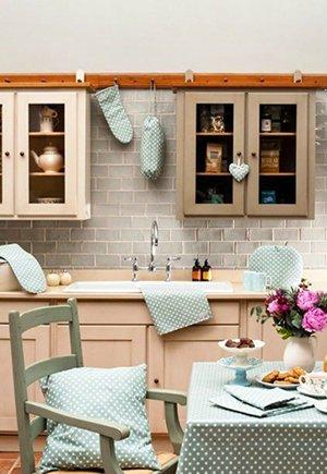 Идея изменения дизайна кухни с помощью тканей