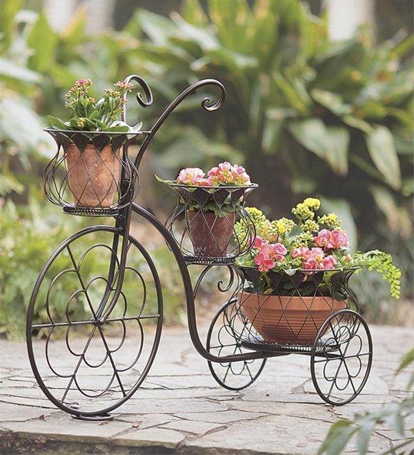 Подставка под цветы в виде велосипеда