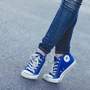 Синие кеды корверс