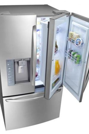 Холодильник с дополнительной дверцей
