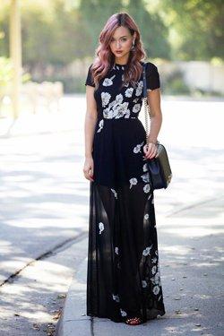 Черное платье с принтом