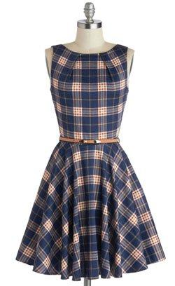 Платье выделяющее талию