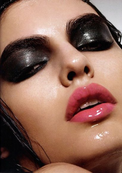 Мокрый макияж