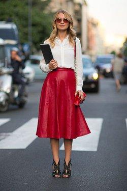 Кожаная юбка с рубашкой
