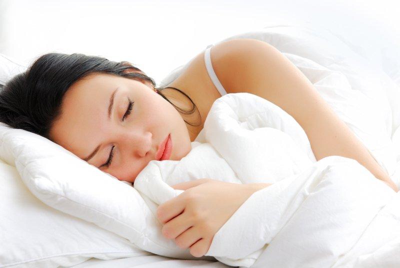 Спать под одеялом