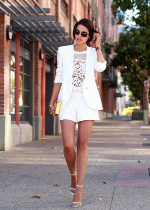 Белый комплект одежды