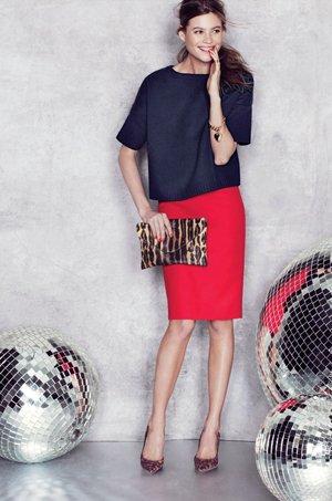 Синий верх и красная юбка