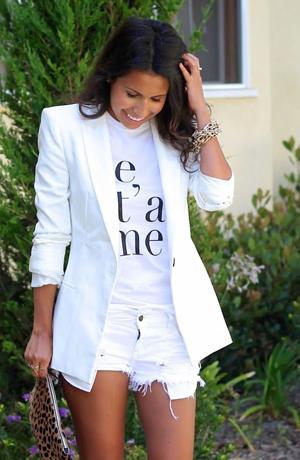 Белый пиджак с шортами