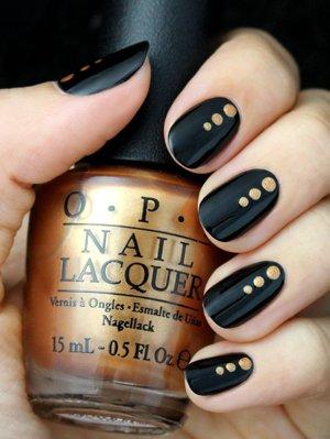 Дизайн ногтей с черным лаком