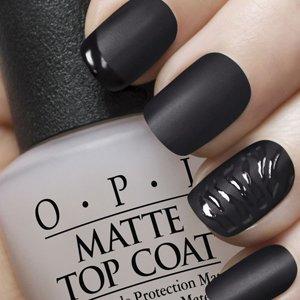 Черные матовые ногти