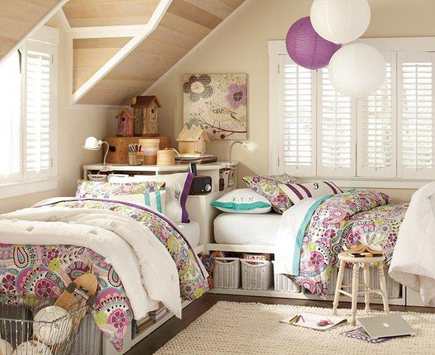 кімната дитяча для двох дівчаток