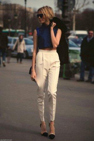 Зауженные брюки с высокой талией