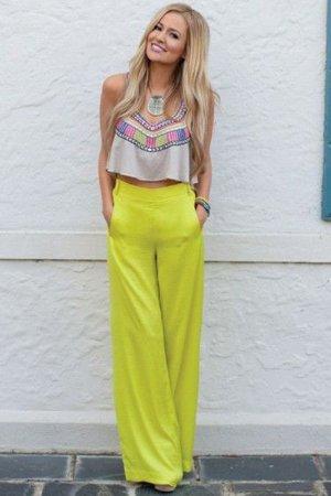 Желтые брюки с высокой талией