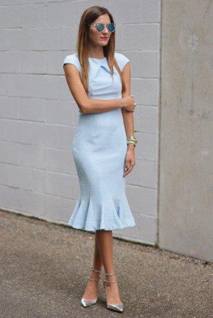 Обтягивающее платье миди