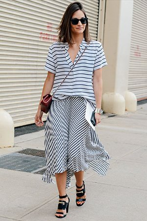 Рубашка в полоску с полосатой юбкой