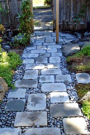 Декор садовой дорожки