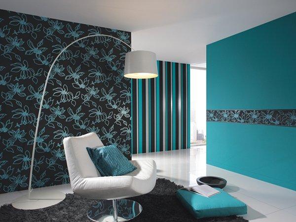 Комбинацию бирбзы и черного цвета в дизайне комнаты