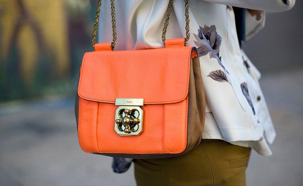 сумка оранжевого кольору