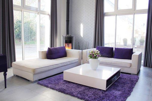 Сиреневые декоративные подушки