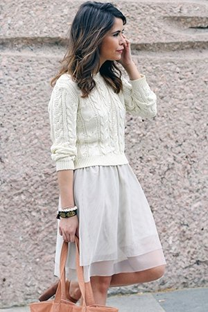 Укороченная кофта и легкое платье