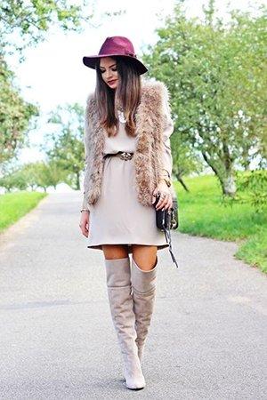 Ботфорты с коротким платьем