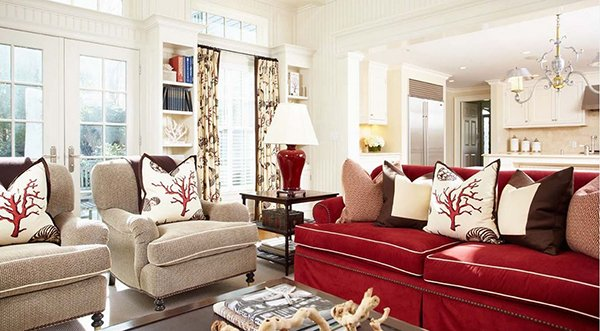 Сочетание подушек и мебели