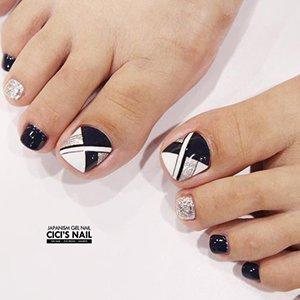 Узоры на ногтях ног