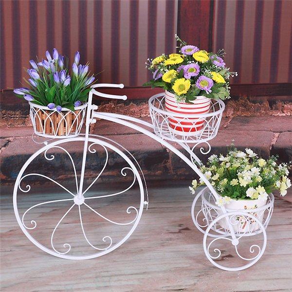 Металлическая подставка под цветы на три горшка
