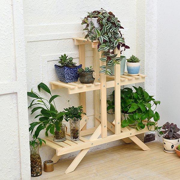 Деревянная горка для цветов