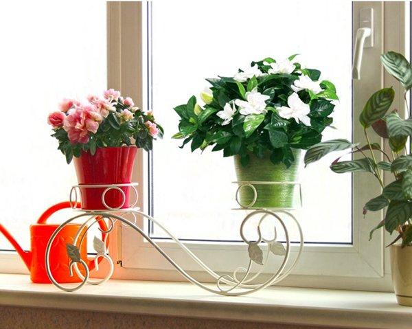 Подставка на подоконник на два цветочных горшка